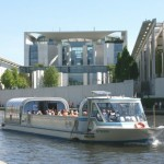 City Circle Tour Berlin YELLOW + Schifffahrt / boat trip - Hop on/Hop off-Stadtrundfahrt mit Schifffahrt