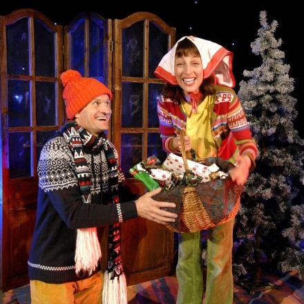 Weihnachten Feiern.Wie Wir In Bullerbü Weihnachten Feiern Kindertheater Radelrutsch