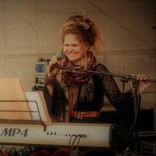 AMANDA MORENA - Record- Release Konzert - Support: Yeon Kapul