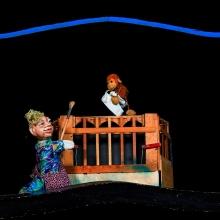 Frau Krimskrams und der Affe - Prinzessin Gisela Theater