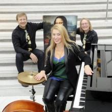 Hilde Pohl Trio & Rebecca Martin - Christmas in New York