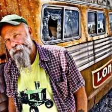 SEASICK STEVE - Keepin' The Horse Between Me And The Ground - Tour